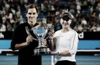 Federer y Bencic posan como campeones de la Copa Hopman 2019. Foto: gettyimages.es