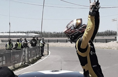 Súper TC2000: Agustín Canapino a la victoria, Leonel Pernía al campeonato
