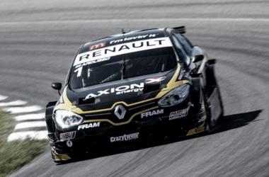 Súper TC2000: Rosario vistió de fiesta a Renault