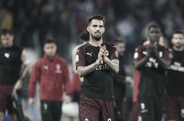 Ao fim do jogo, Suso e os demais atletas do Milan agradeceram os torcedores pelo apoio. Todavia, a vaga à Champions League não veio. (Foto: AC MIlan / Reprodução)