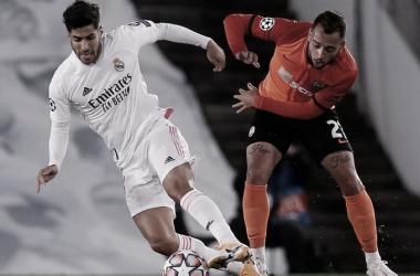 Un Real Madrid desastroso continúa en la misma tónica (2-3)