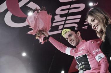 Simon Yates in maglia rosa.Foto Credit: LaPresse- D'Alberto / Ferrari / Paolone / Alpozzi