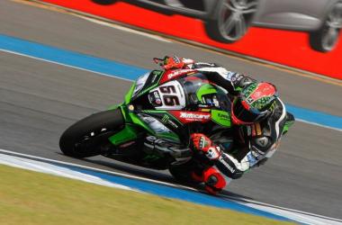Superbike, Sykes vince a Donington e riapre il campionato