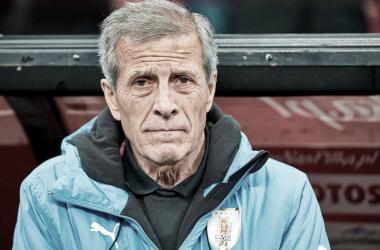 EXPERIENCIA. Tabárez y buen curriculum personal, lleva una década dirigiendo a Uruguay. Foto: Web