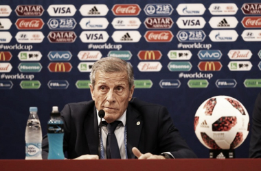 Oscar Washington Tabarez en conferencia de prensa luego de la derrota con Francia (foto Fifa.com)