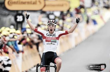 Rogličse pone líder y Pogačarlogra su primera victoria en el Tour