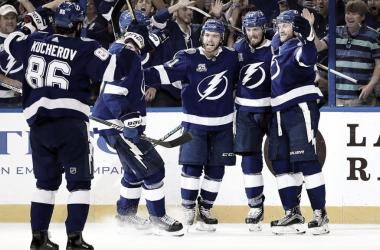 Tampa y Kucherov hacen historia en impresionante temporada | Foto: NHL.com