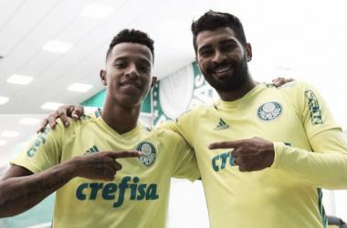 Palmeiras renova contratos de Moisés, Tchê Tchê e Thiago Santos