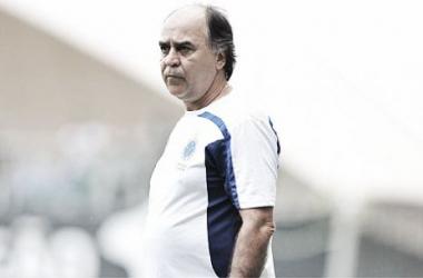Marcelo Oliveira elogia seus comandados e a atuação no clássico