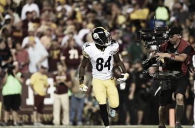 Antonio Brown celebrando su primer touchdown de la noche. Foto: Steelers.com