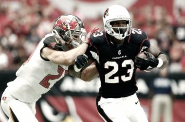 Adrian Peterson cuajó un gran partido en su debut con los Cardinals. | Foto: Arizona Cardinals