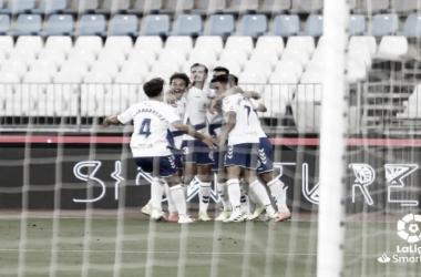El Tenerife sigue soñando tras asaltar Almería (1-2)