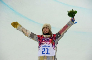 Kaitlyn Farrington conquista o ouro no Snowboard Halfpipe