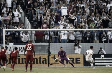 Robbie Keane Scores Hat Trick As LA Galaxy Outclass Toronto FC
