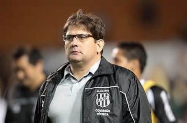 Presidente da Ponte Preta garante Guto Ferreira no Brasileirão