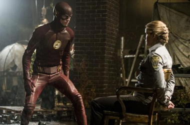 """The Flash Season 2 Episode 2: """"Flash Of Two Worlds"""" Review"""