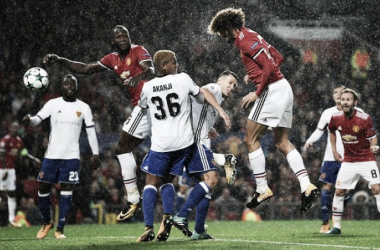 Champions League: 3-0 sotto la pioggia per il Manchester United, affondato il Basilea