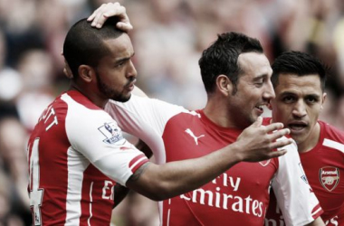 Cazorla y Walcott amplían sus contratos con el Arsenal