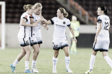 Mallory Weber and Allie Long congratulate Lindsey Horan after her stoppage time goal. | Photo: Portland Thorns Twitter (@ThornsFC)