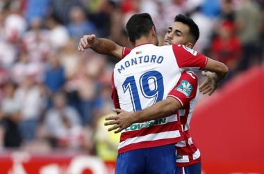 Joselu celebra un tanto con Montoro. Foto: Antonio L Juárez