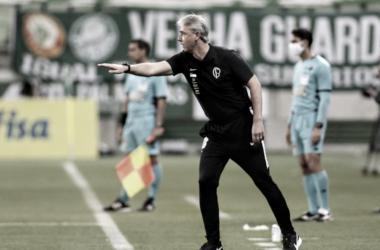 """Apesar da derrota nos pênaltis, Tiago Nunes ressalta: """"Trabalho segue em busca da melhora constante"""""""