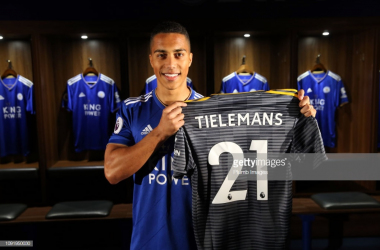 Youri Tielemans is presented as a Leicester City player | Photo: Getty/ Plumb Images