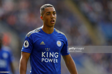 Youri Tielemans during the win against Bournemouth | Photo: Getty/ Malcolm Couzens