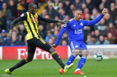 Abdoulaye Doucoure vies for possession with Youri Tielemans | Photo: Getty/ Olly Greenwood