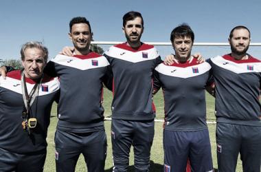 Echeverría junto a su nuevo equipo de trabajo (Foto: Tigre Oficial).