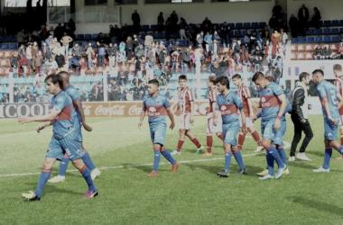 Decepción y bronca de los jugadores y al gente tras el inicio del torneo (Foto: Tigre Oficial).