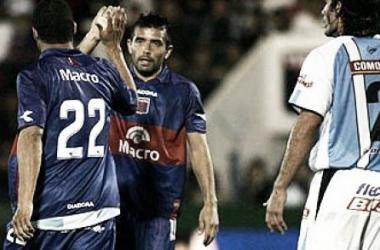 Morel y Altobelli celebrando un gol (Foto Tigre Corazón).