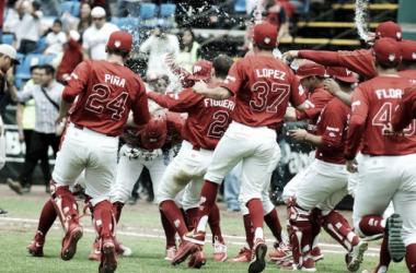 Los escarlatas celebraron en el diamante la victoria de alarido | Foto: Diablos Rojos del México