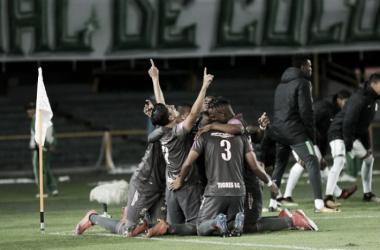 Jorge Lozano mantiene con vida a Tigres en su búsqueda para clasificar a los 'playoffs'. | Foto: Colprensa