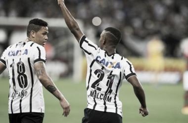 Corinthians vence Portuguesa com time reserva e segue invicto no Paulista