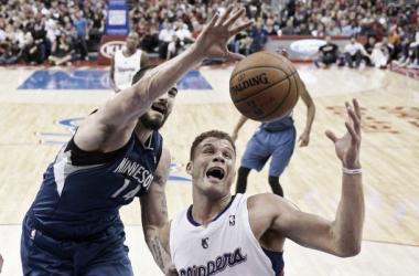Los Clippers se imponen a la pareja Love - Pekovic en un final apretado