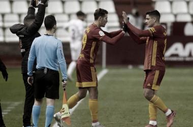 Alex Alegría entrando al terreno de juego sustituyendo a Gabriel Fernández en el encuentro ante el Albacete. // Imagen: Tino Gil. Web Real Zaragoza.