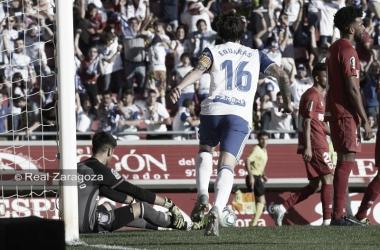 Eguaras celebrando el gol de la victoria. // Foto: Web Real Zaragoza. Tino Gil.