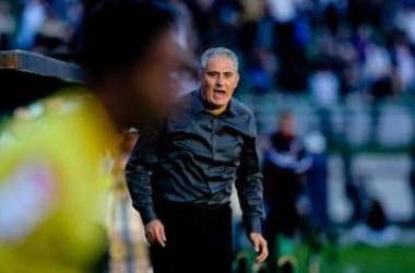 Tite isenta jogadores e atribui empate à postura defensiva do São Paulo