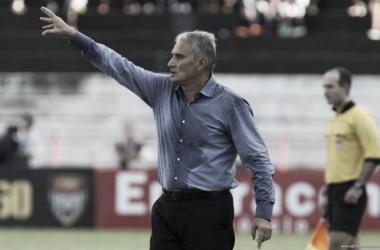 Tite elogia bom rendimento da equipe e mira duelo na Libertadores