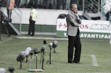 """Tite critica arbitragem no jogo diante do Palmeiras: """"Problemas de critério"""""""