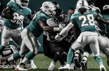 Gracias a su solidez defensiva, los Dolphins derrotan a los Jaguars