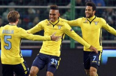 Com gol de Felipe Anderson, Lazio vence e se classifica na Europa League