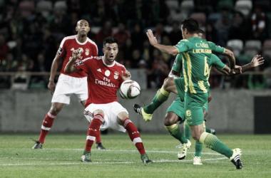 Benfica e Tondela encontram-se: primeiro contra último // Foto: Facebook do SL Benfica