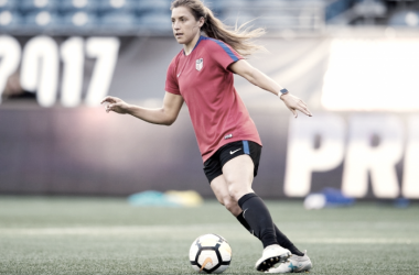 Huerta training with the USWNT l Source: U.S. Soccer