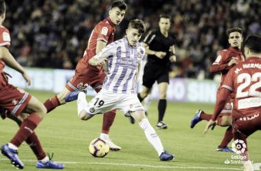 Toni Villa tirando a puerta durante el partido | LaLiga