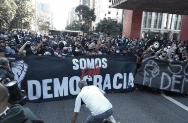 Brasileiros temem o fascismo: antifascistas se movimentam nas redes sociais e nas ruas
