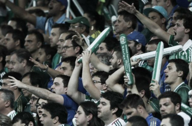 Torcida apoiou, mas também protestou contra o time (Foto: César Greco / Ag Palmeiras)