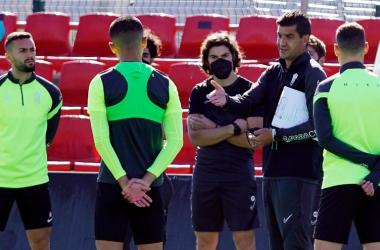 Betis Deportivo - Recreativo Granada: con Torrecilla para obrar el milagro
