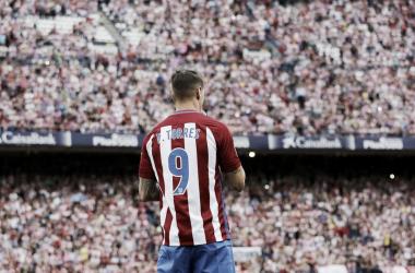 Fernando Torres luciendo la elástica colchonera   Foto: Atlético de Madrid