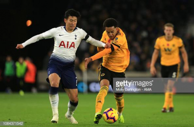 Son Heung-Min of Tottenham Hotspur and Helder Costa of Wolverhampton Wanderers during the Premier League match between Wolverhampton Wanderers and Tottenham Hotspur at Molineux on November 3, 2018 (Photo by Molly Darlington - AMA/Getty Images)